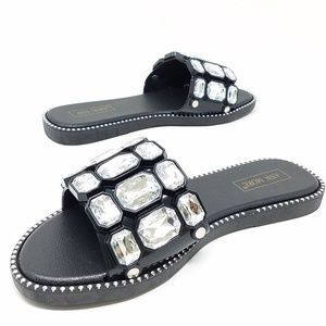 Shoes - NEW San Remo Slide Sandals